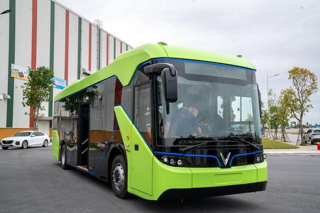 VINFAST công bố xe buýt điện đầu tiên