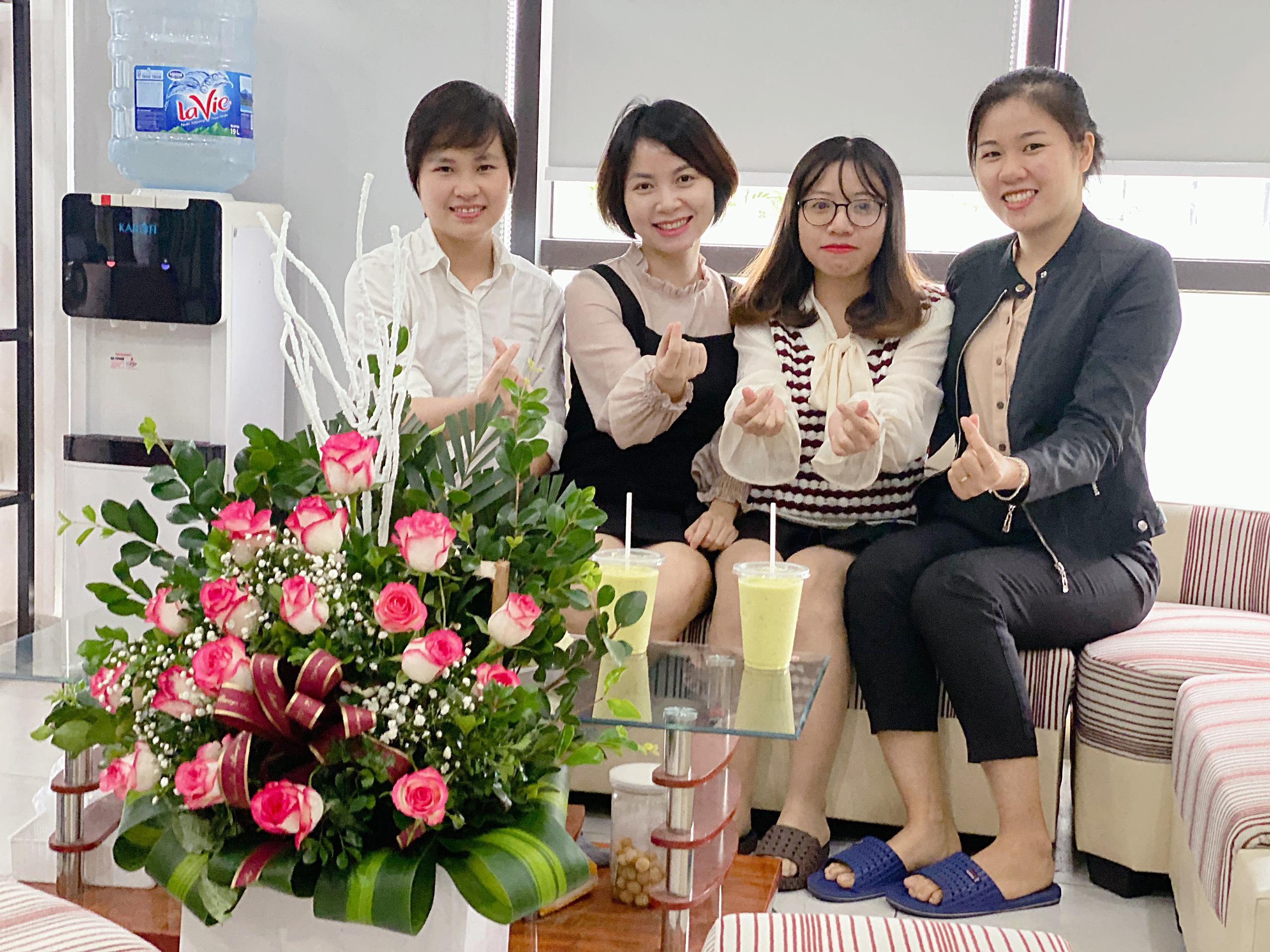 HUST VN chào mừng ngày Phụ nữ Việt Nam 20-10-2020