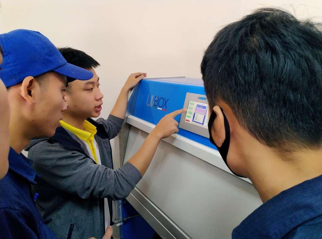 Bàn giao tủ thử nghiệm UV BOX - COFOMEGRA- ITALIA