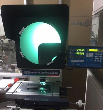 Lắp đặt máy chiếu biên dạng Carmar PV-3025A cho công ty YES SAIGON